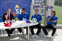 "PRESSEKONFERENZ ""SEL JUNIOR CAMPS 2012"""